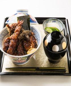 名古屋の金シャチ横丁 味噌天丼(味噌ダレ)